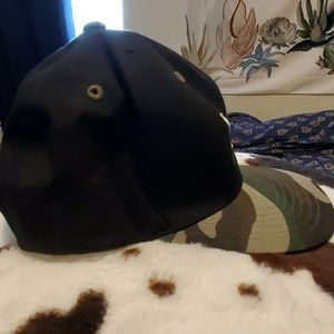 L.O.G.A Accessories - Snapback hat